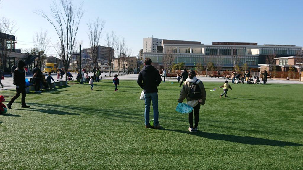 安満遺跡公園の人工芝生