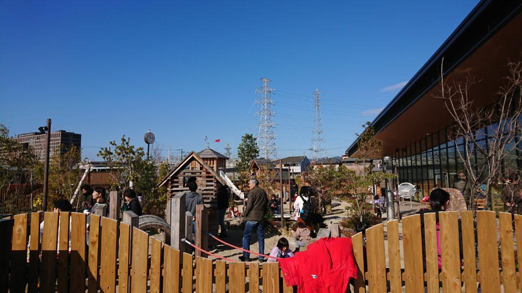 安満遺跡公園のボーネルンド プレイヴィルの遊具