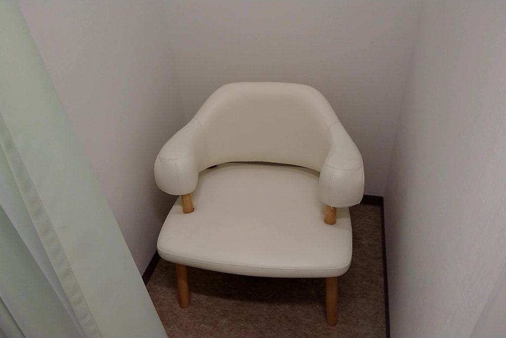 安満遺跡公園の授乳室の椅子