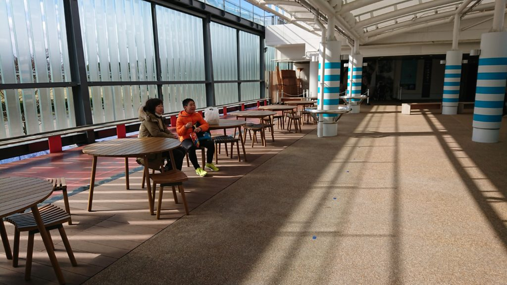 京都水族館のカフェスペース