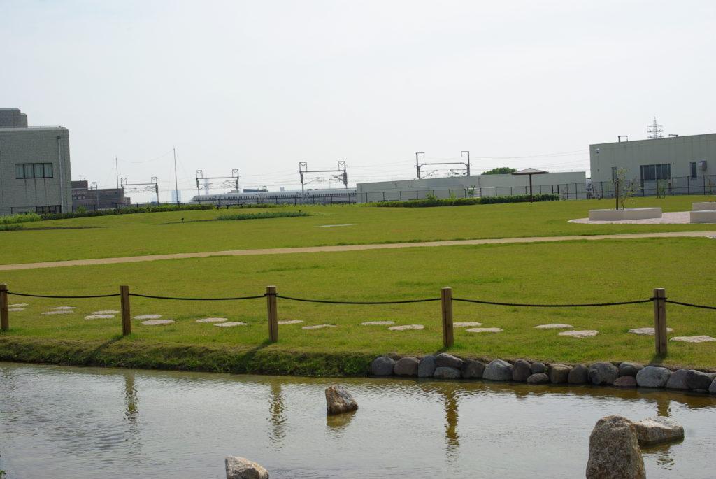 高槻スカイランドの芝生広場