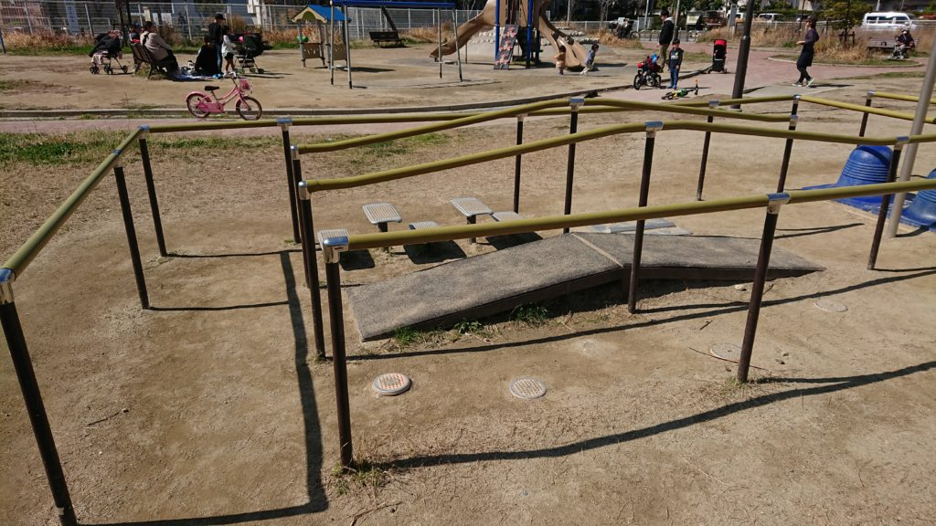芝生第3公園の迷路