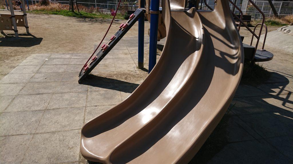 芝生第3公園の複合遊具