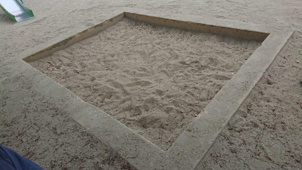 桜ケ丘南町うのはな公園の砂場