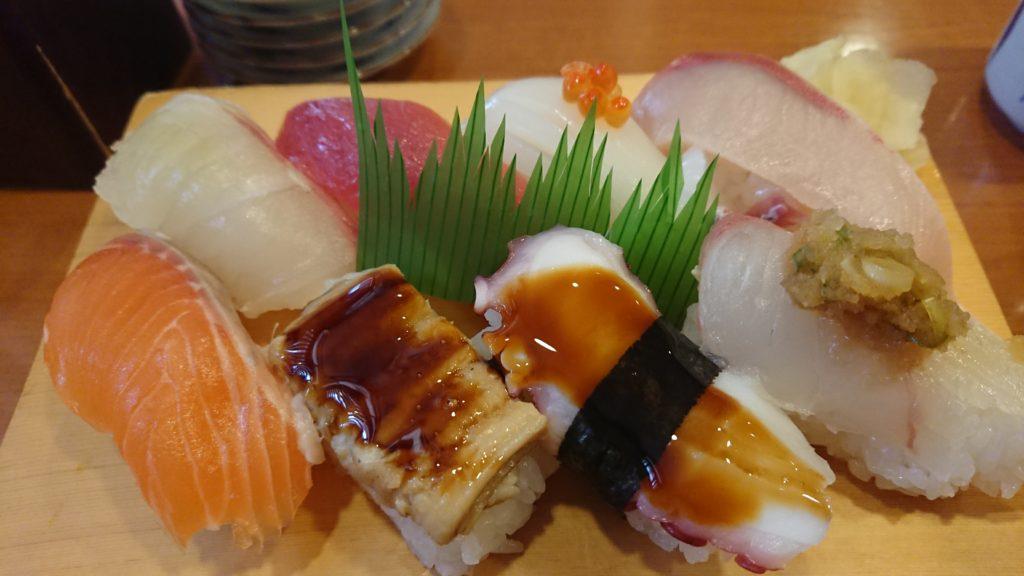 亀八寿司のにぎり