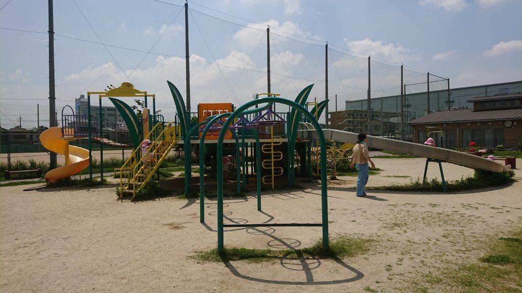 庄所公園の遊具