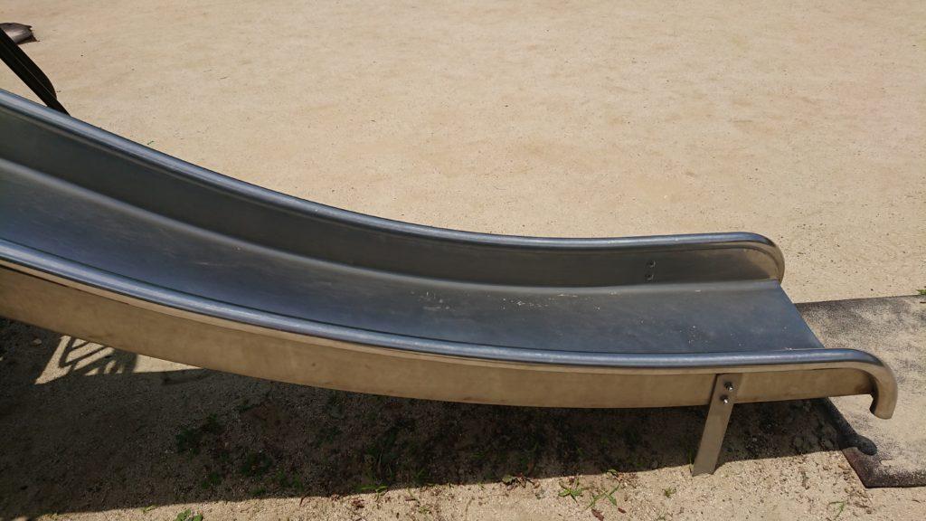 津之江西公園のコンビネーション遊具の滑り台