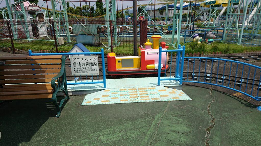 神戸フルーツフラワーパークのアニメトレイン