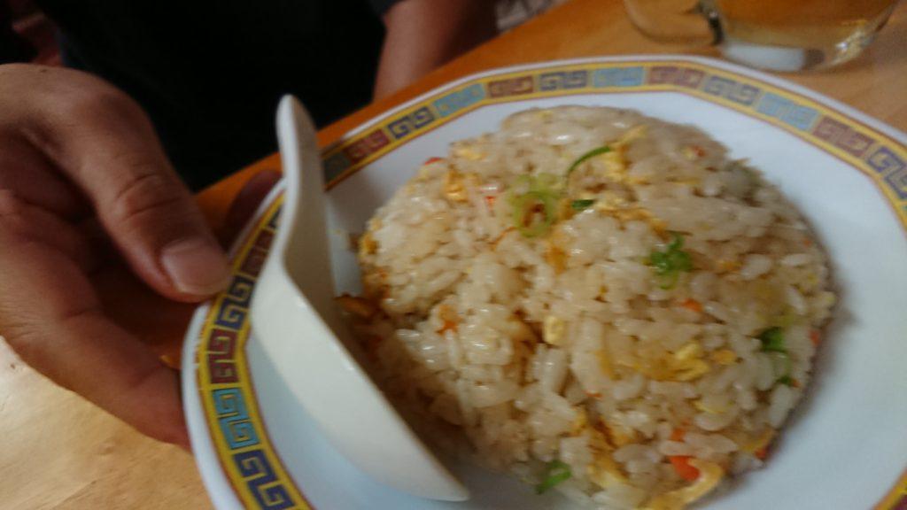 栄町飯店の炒飯