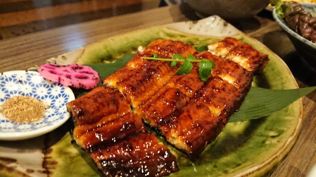 幸蔵本店鰻の蒲焼き